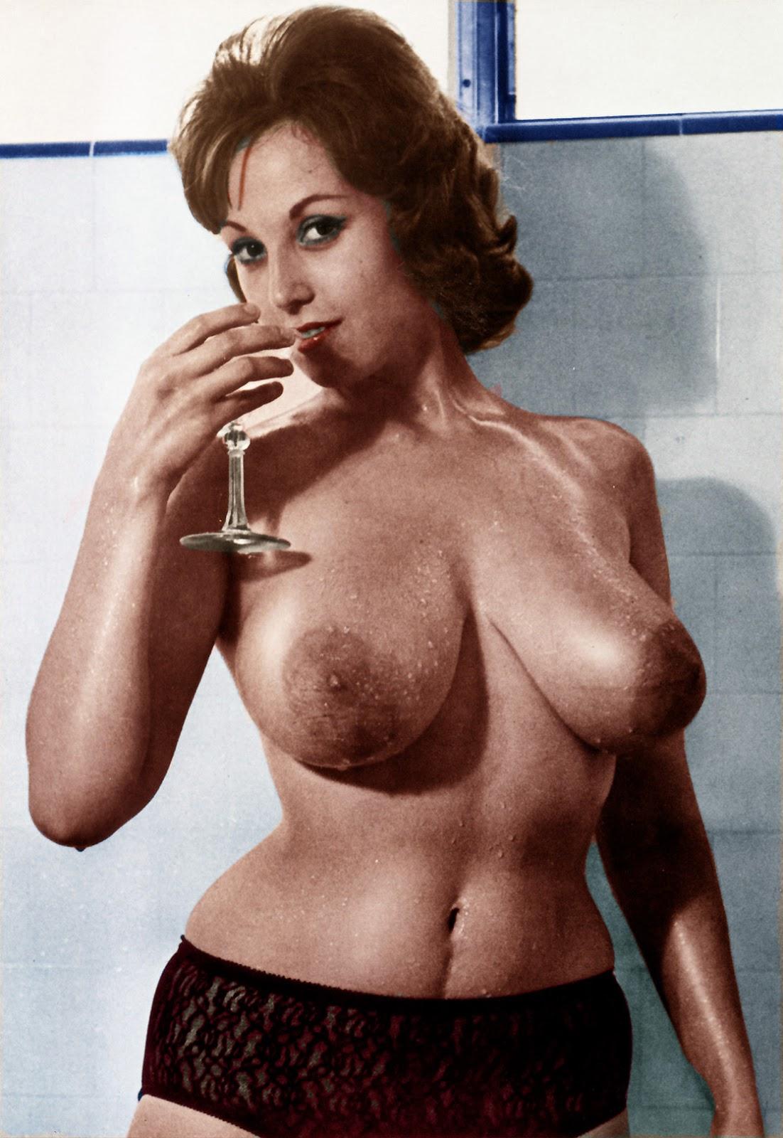 retro-boobs-pictures