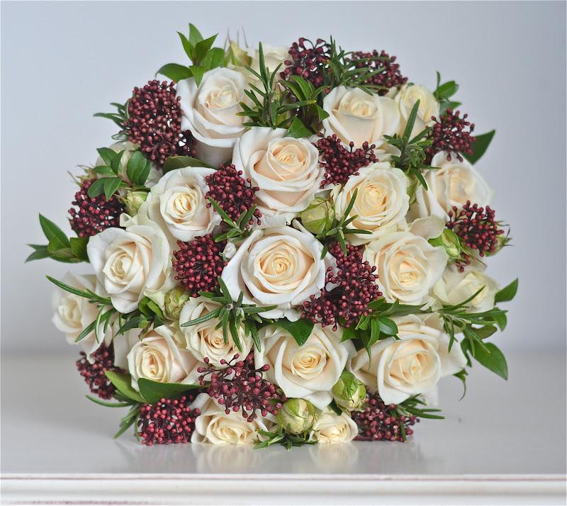 Winter Wedding Flowers Uk: Wedding Flowers Blog: Anna's Winter Wedding Flowers, Cream