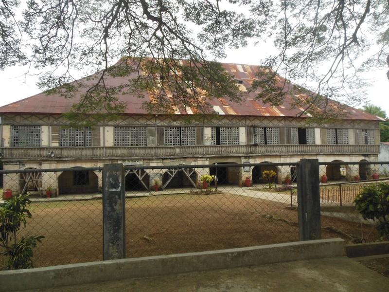 PHILIPPINES : Monastère de Lazi / 5 jours sur Siquijor & Apo Island / www.by-laura.fr