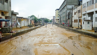 This street is full of mudd, walking is not recommended.