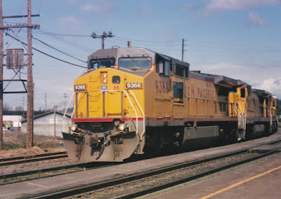 Union Pacific Dash 8-40CW #9368 in Vancouver, Washington, in March, 1997