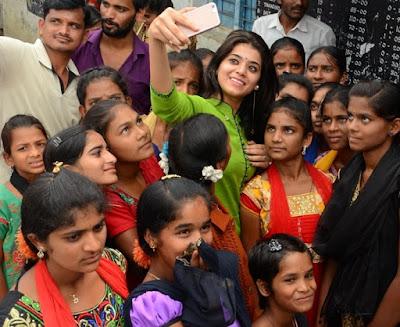 Yamini-bhaskar-birthday-celebrations4