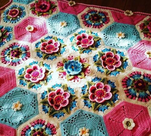 Frida's Flowers Blanket - Free Pattern