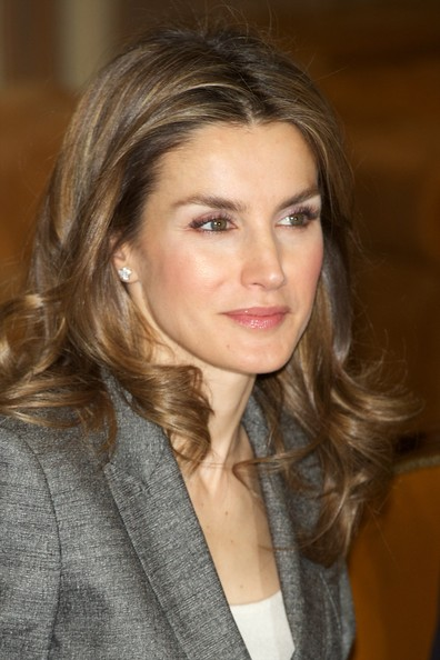 Crown Princess Letizia of Spain attended Antena 3 Foundation meeting in Madrid. Hugo Boss grey suit, blazer