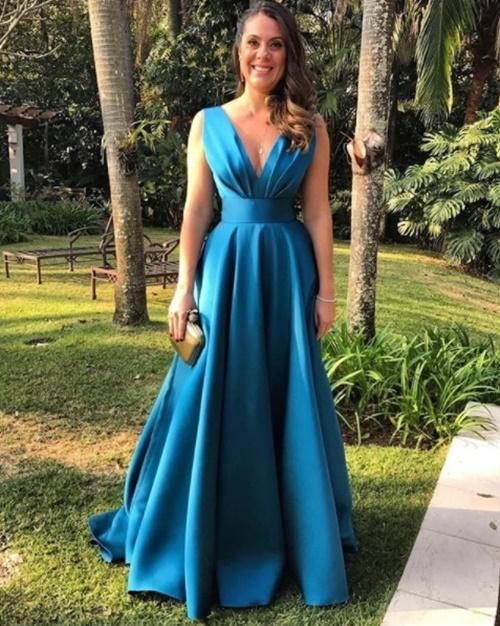 vestido de festa longo  com saia ampla
