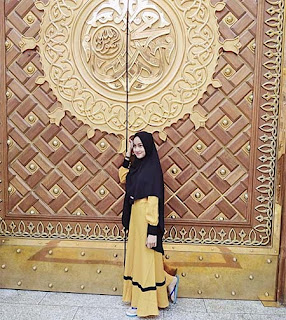 Nadya Ulya Pakai Jilbab