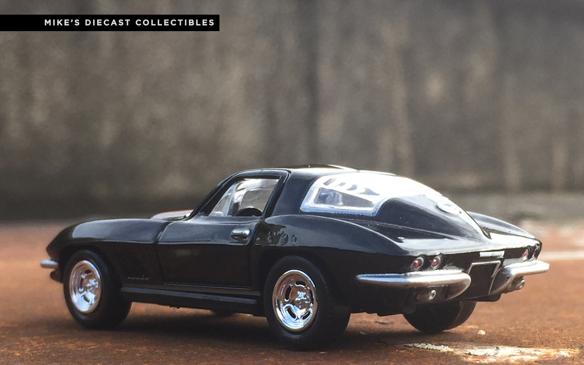 mike 39 s diecast collection this is the 1967 chevrolet corvette 427 1970 ford mustang convertible. Black Bedroom Furniture Sets. Home Design Ideas