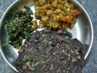 Finger millet Moringa leaves roti, Radish Snake gourd curry, Moringa leaves poriyal