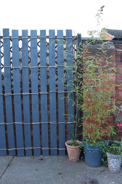 DIY rustic garden trellis