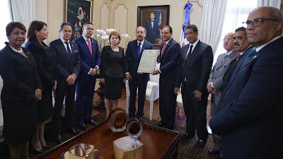 VIDEO: Danilo recibe certificación Asamblea Nacional lo ratifica Presidente electo