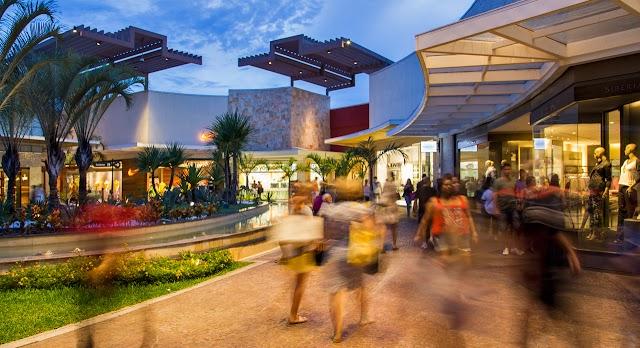 Parque D. Pedro Shopping faz 15 anos e celebra data com bolo gigante
