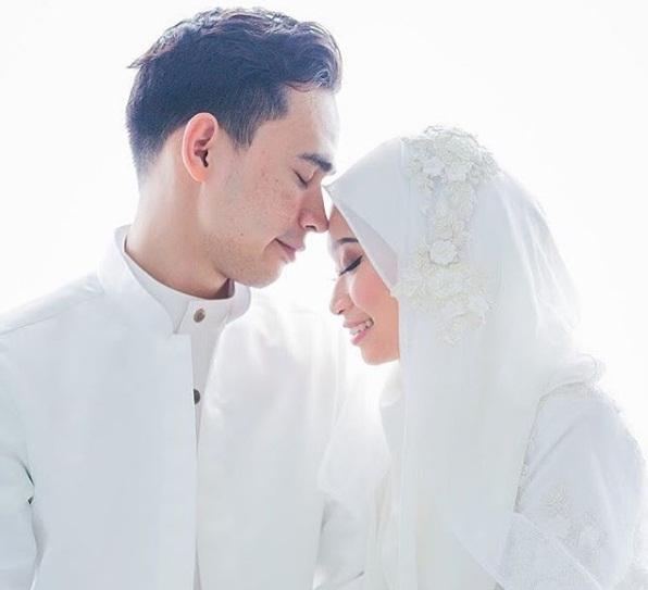 Gaun Putih Pengantin Malaysia