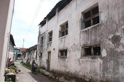 Jalan jalan di Kampung batik Laweyan