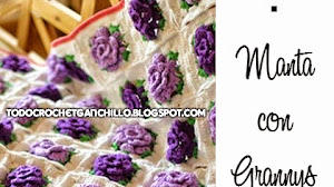 Manta con grannys florales 3D al crochet