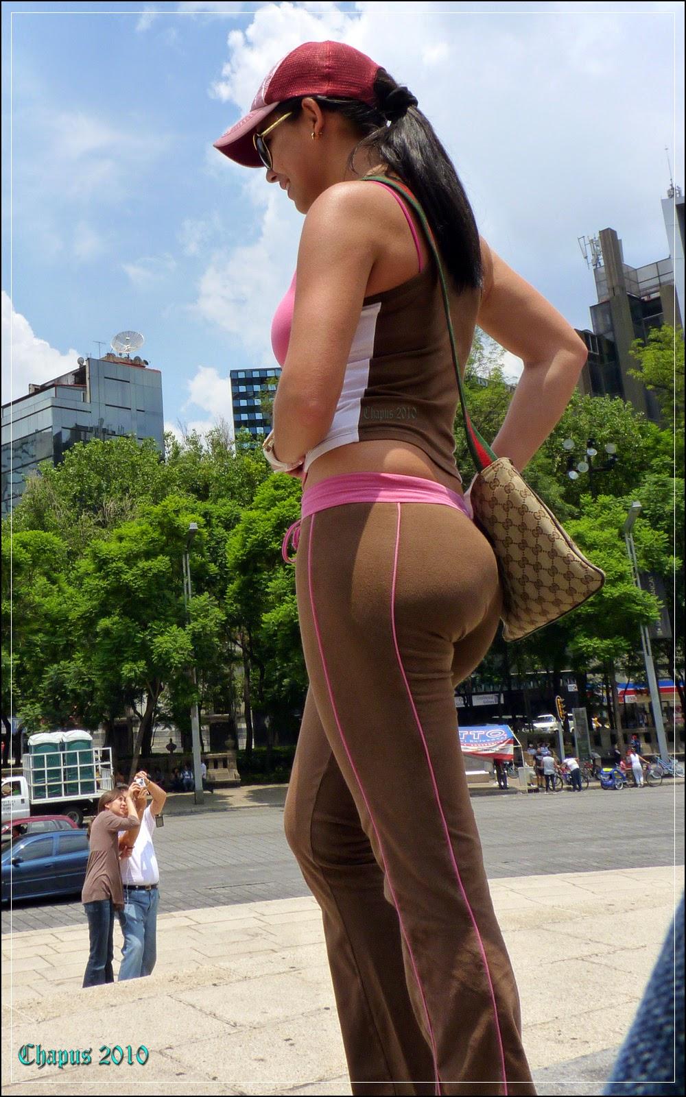 brunette voyeur