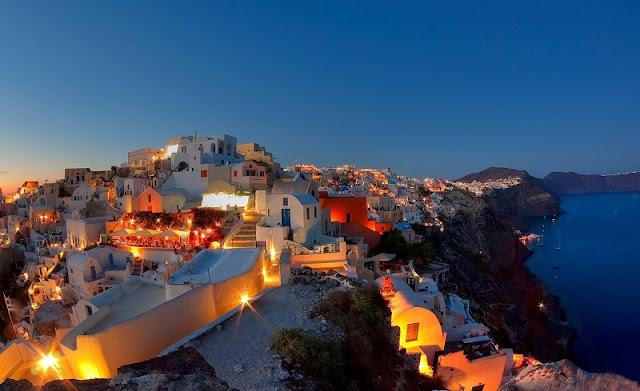 O que fazer a noite em Santorini, Grécia