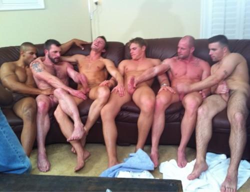 Punheta em grupo