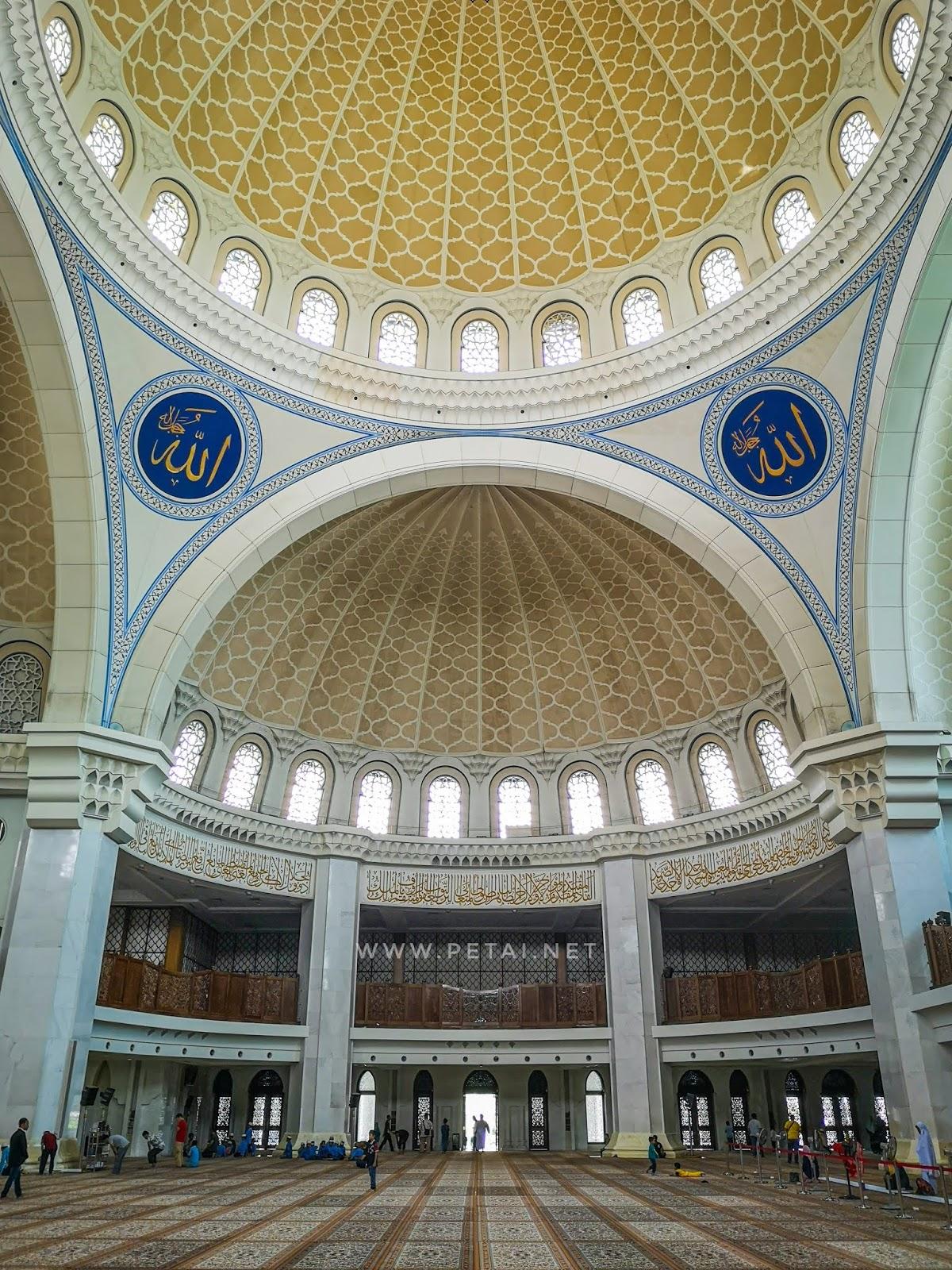 Masjid Wilayah Persekutuan Kuala Lumpur - sisi kanan
