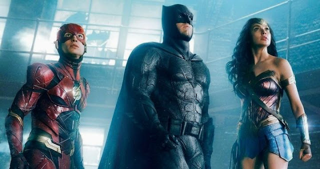 Flash con Batman y Wonder Woman en Justice League