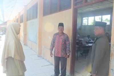 Hari Pertama Ujian, Plt. Kakankemenag Tanjungbalai Langsung Monitoring