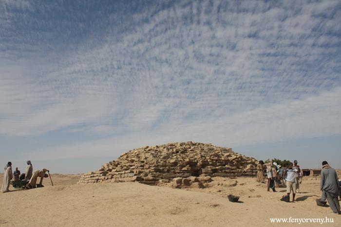 Lépcsős piramist találtak Egyiptomban