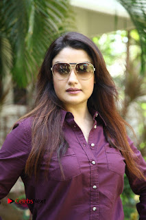 Vincent Asokan Sonia Agarwal Akhil Saran Nayana Starring Yevanavan Movie Stills  0018.jpg