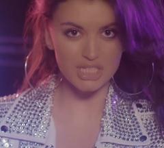 Rebecca Black lança clipe de Foolish