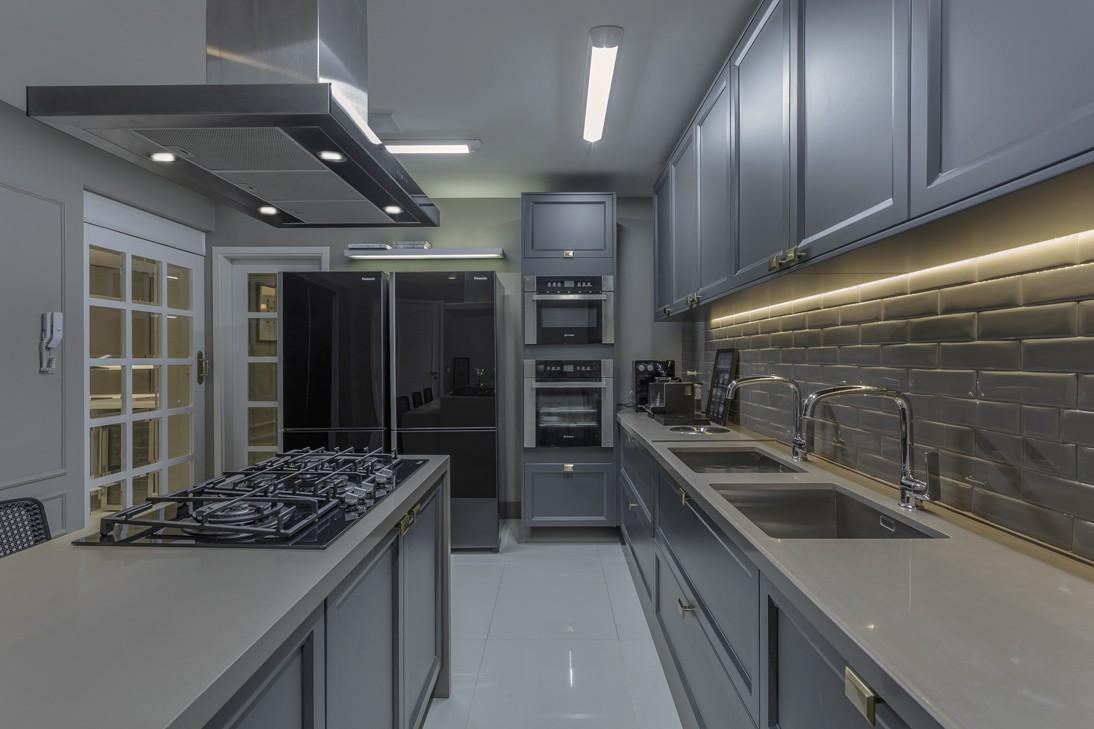 Cozinha Cinza Com Arm Rio Cl Ssico Super Tend Ncia Decorsalteado