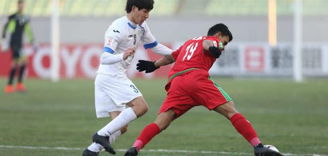 Bị loại cay đắng, cầu thủ Trung Quốc đòi 'xử' trọng tài 2