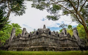 Melihat Replika Candi Borobudur di Taman Nusa Gianyar Bali
