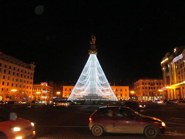 La Plaza de la Libertad de Tbilisi es una de las más llamativas en Navidad