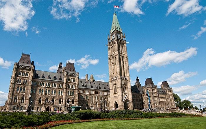 Достопримечательности Канады и парламент