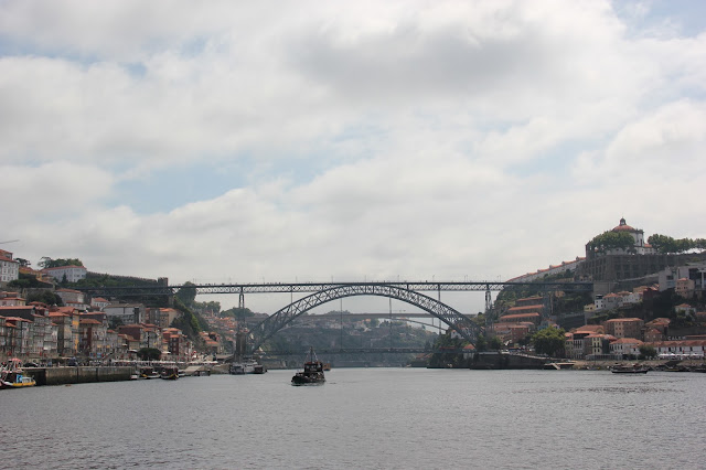 dom luis i bridge over the river duoro porto