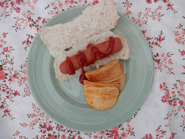 Vbites meat free hotdogs.  What do vegans eat?  Vegan meal and snack ideas. secondhandsusie.blogspot.com #veganblogger #vegan