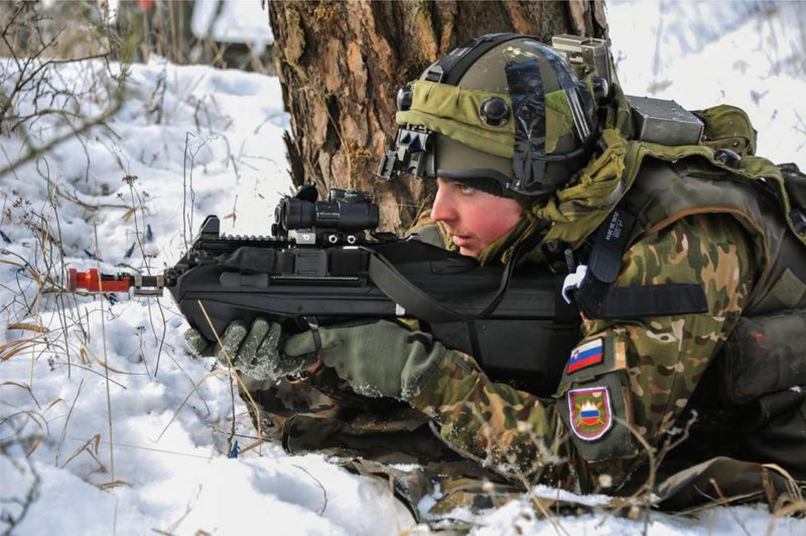 Tentara Slovenia kedinginan di manuver di Norwegia