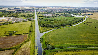 Bird's eye picture:  The River Ancholme - Old and New - meeting near Brigg in North Lincolnshire - image by Neil Stapleton used on Nigel Fisher's Brigg Blog in December 2018