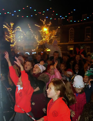 Brigg Christmas Lights switch on 2016, market, fair & late night shopping - picture 5 on Nigel Fisher's Brigg Blog