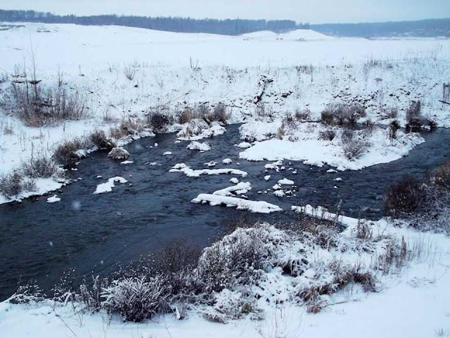 Нерешённая проблема военного городка отравляет речку Сергиев Посад