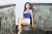 manisha kelkar sizzling in rain-thumbnail-3