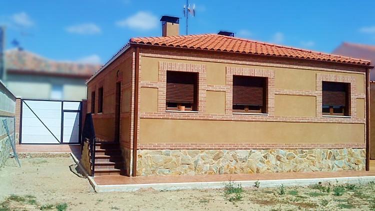 proyecto de vivienda unifamiliar en tierra de campos - fachada parcela