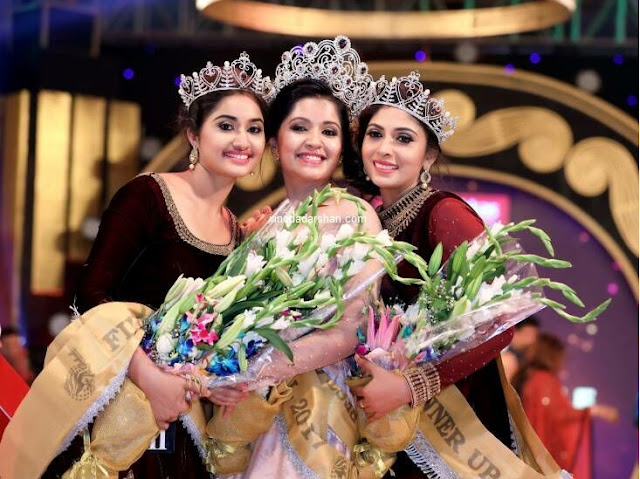 Mrs global gods own country 2017  Winner - Vijayalakshmi Ratheeshan (Center),1st Runner up  Lija Arun (left) and 2nd Runner up   Anitha Dileep(right)