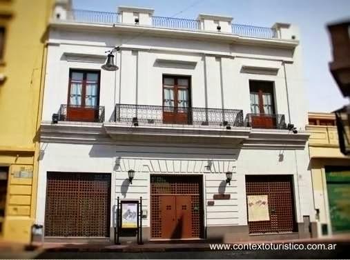 Fachada de Zanjón de Granados vista de día en Buenos Aires