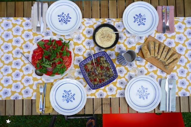repas vegan complet tomate houmous fougasse