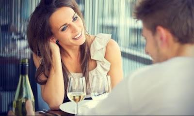 Cari tau Tingkah Laku Wanita Suka Terhadap Pria