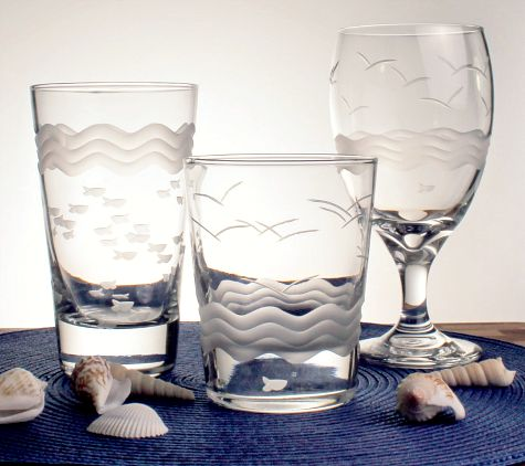 Drinking Glasses with Wave Pattern