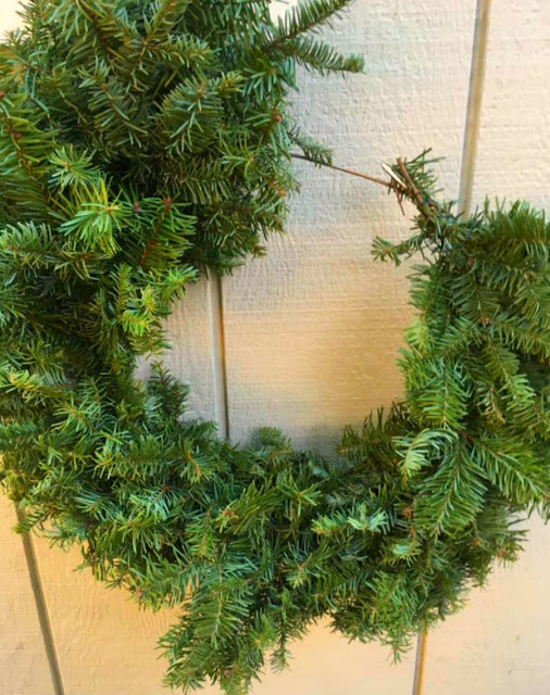 Magnificent Shoestring Elegance Make Your Own Wreath From Your Christmas Tree Easy Diy Christmas Decorations Tissureus
