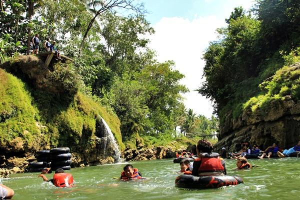 Rafting Sungai Oya Gunungkidul