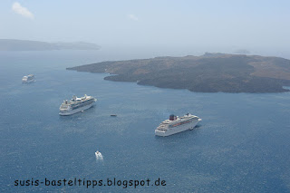 Kreuzfahrtschiffe vor der Insel Santorin: Foto von unabhängiger Stampin' Up! Demonstratorin in Coburg