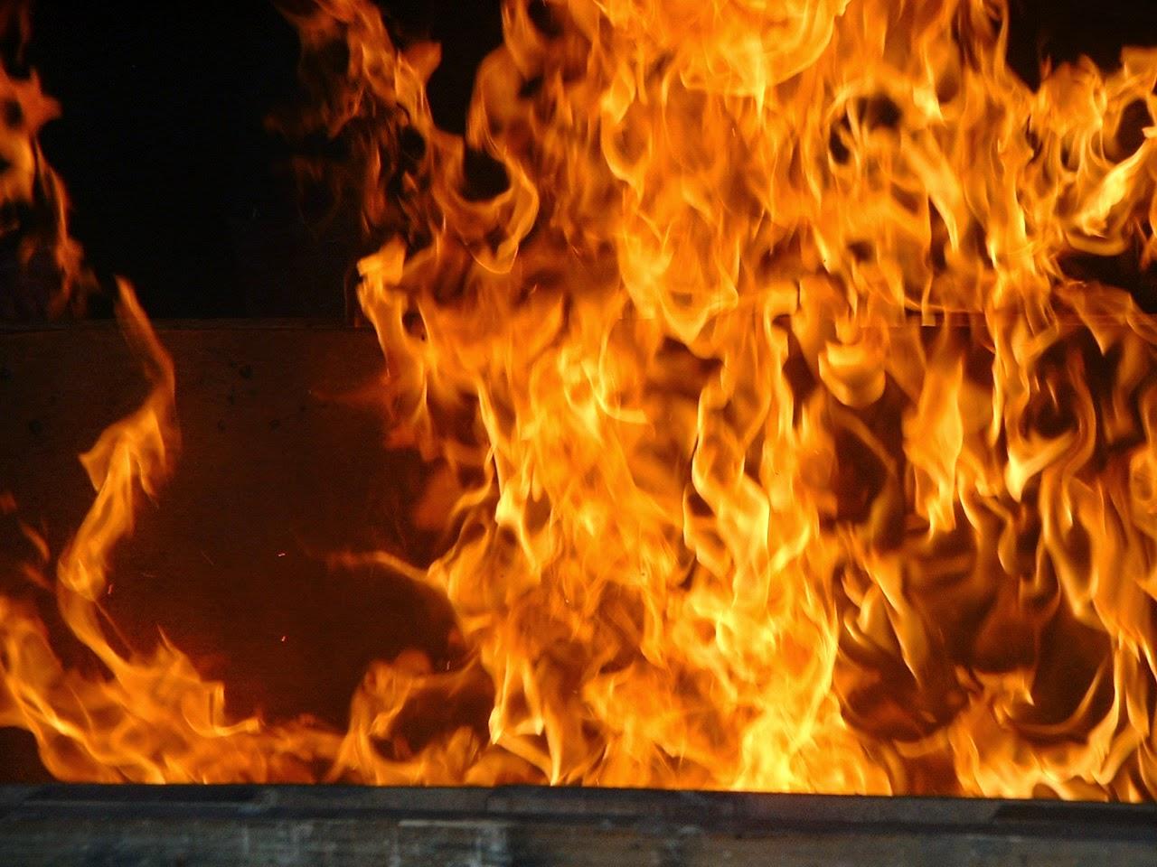 Enseignement de Jésus : Existence de l'Enfer  Flamme