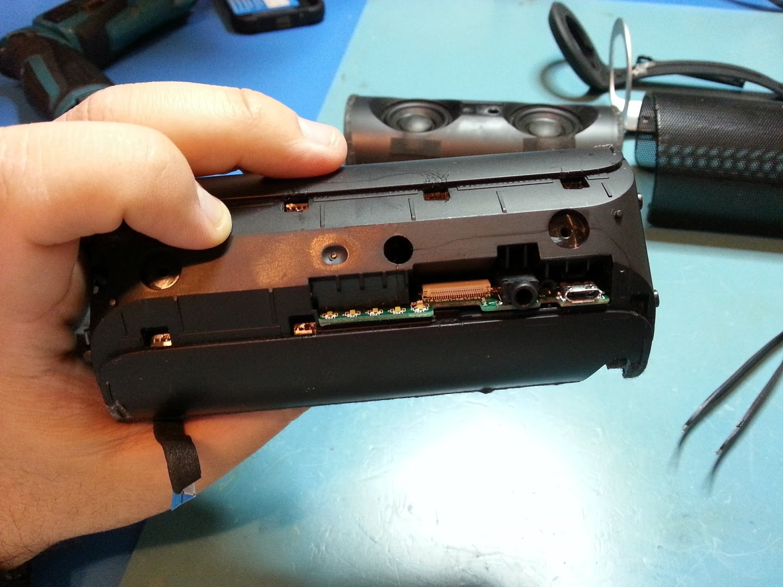 repairs and tech stuff: JBL Flip 2 broken usb charging port